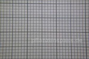 Millimeterpapier mit +17 dioptrin unschärfe im Randbereich