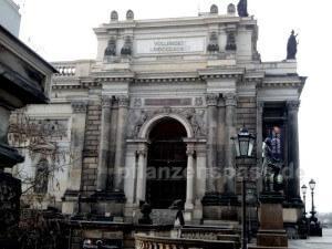 """Dresden Römische Zahl """"korrektur"""" mit Subtraktionsregel - Kunstakademie"""